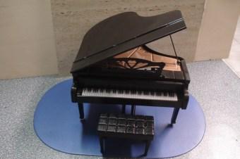 V1 Pianoforte